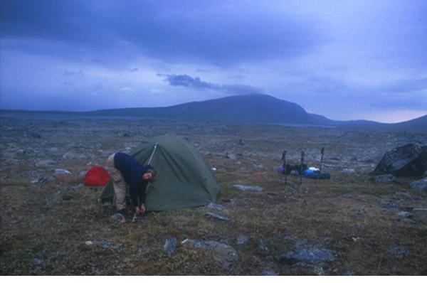 Sarek 2002. Windiger Lagerplatz im westlichen Vuoskelvagge.
