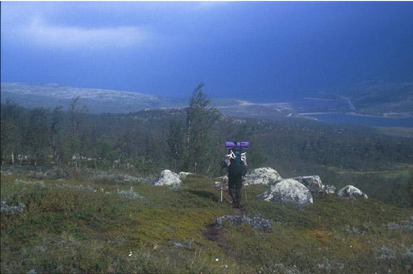Sarek 2002. Abstieg zum Jertajaure nach Suorva.