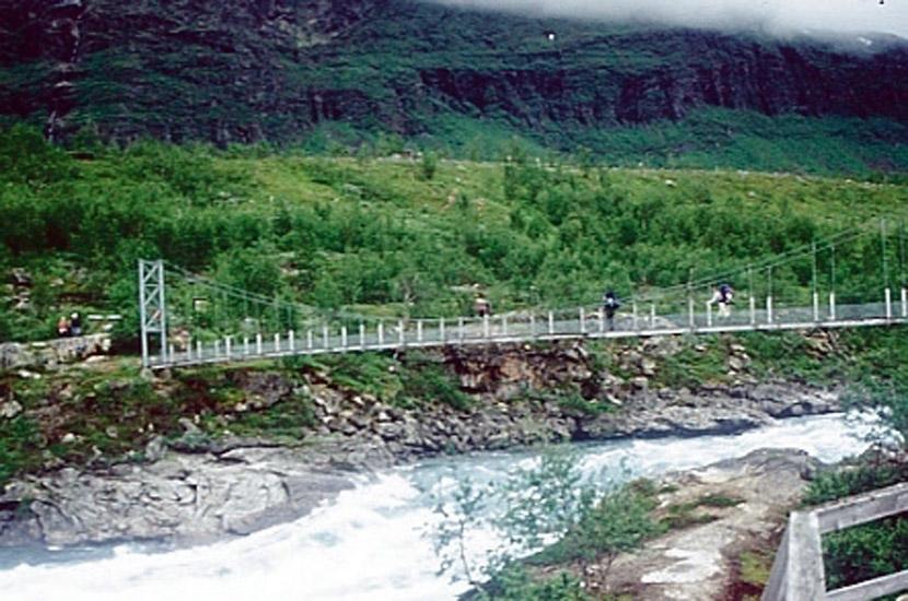 Sarek 1996. Die Brücke bei Änonjalme.