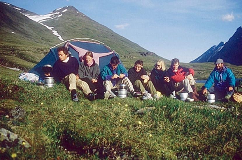 Sarek 1996. Fröhliche Kochrunde.