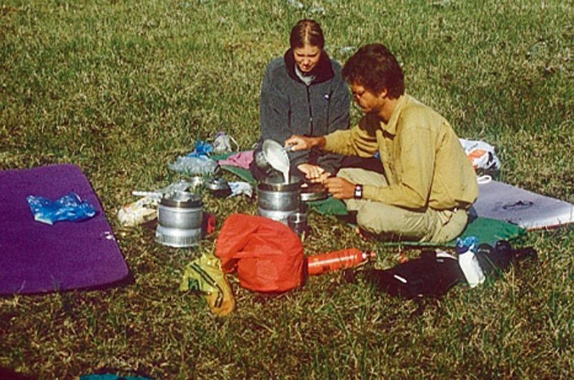 Sarek 1996. Outdoorküche am Tjeura-See.